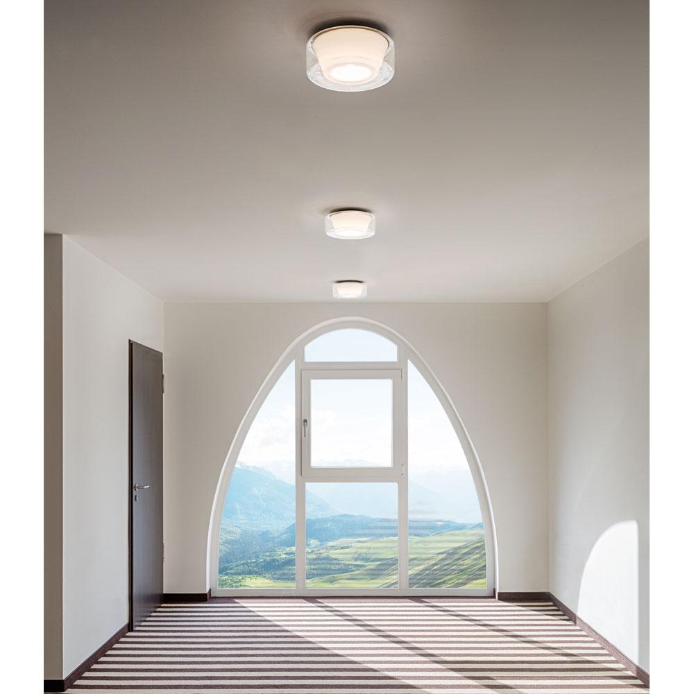 Curling Ceiling - glasklar/ Reflektor konisch opal - im Wohnzimmer