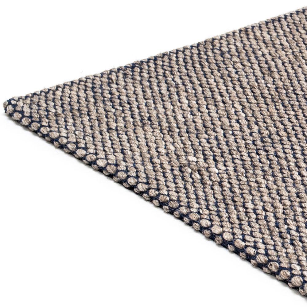 Teppich Nordic Drop - Farbe nature & denim blue - Detailansicht