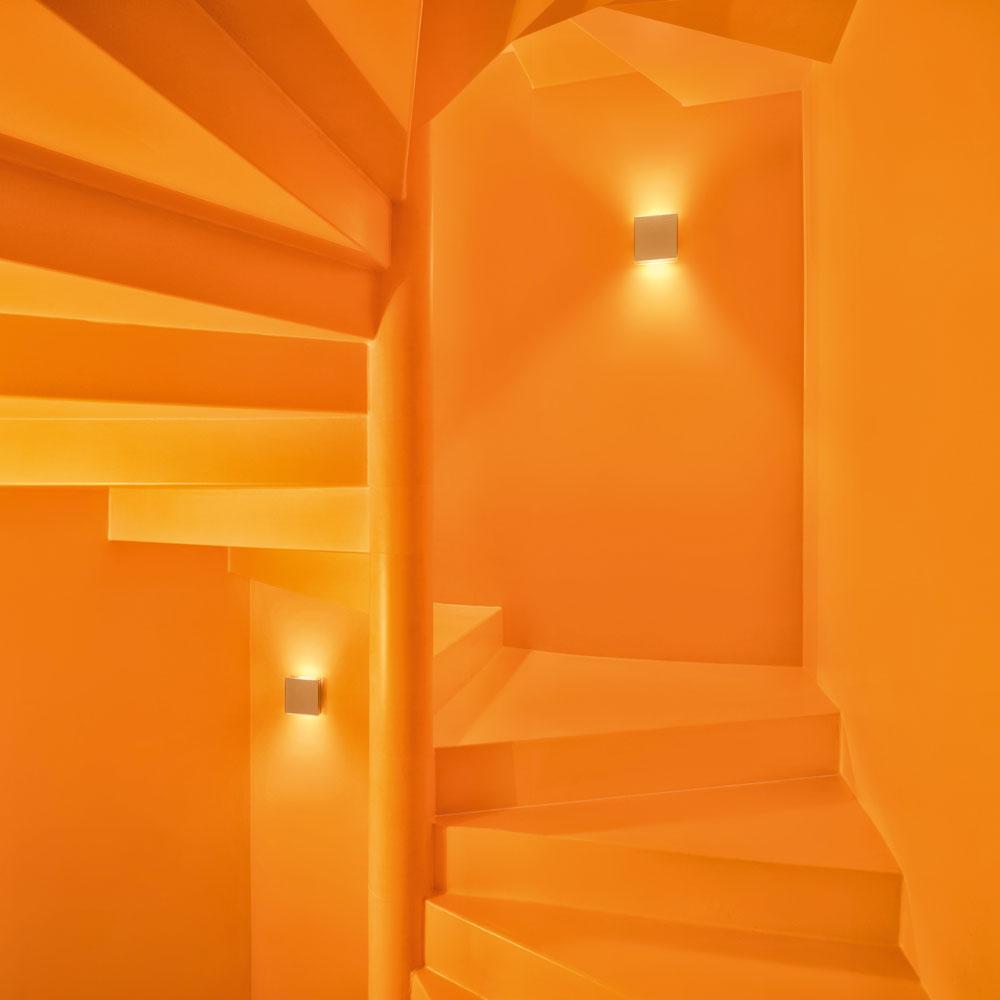 App weiß - im Treppenhaus