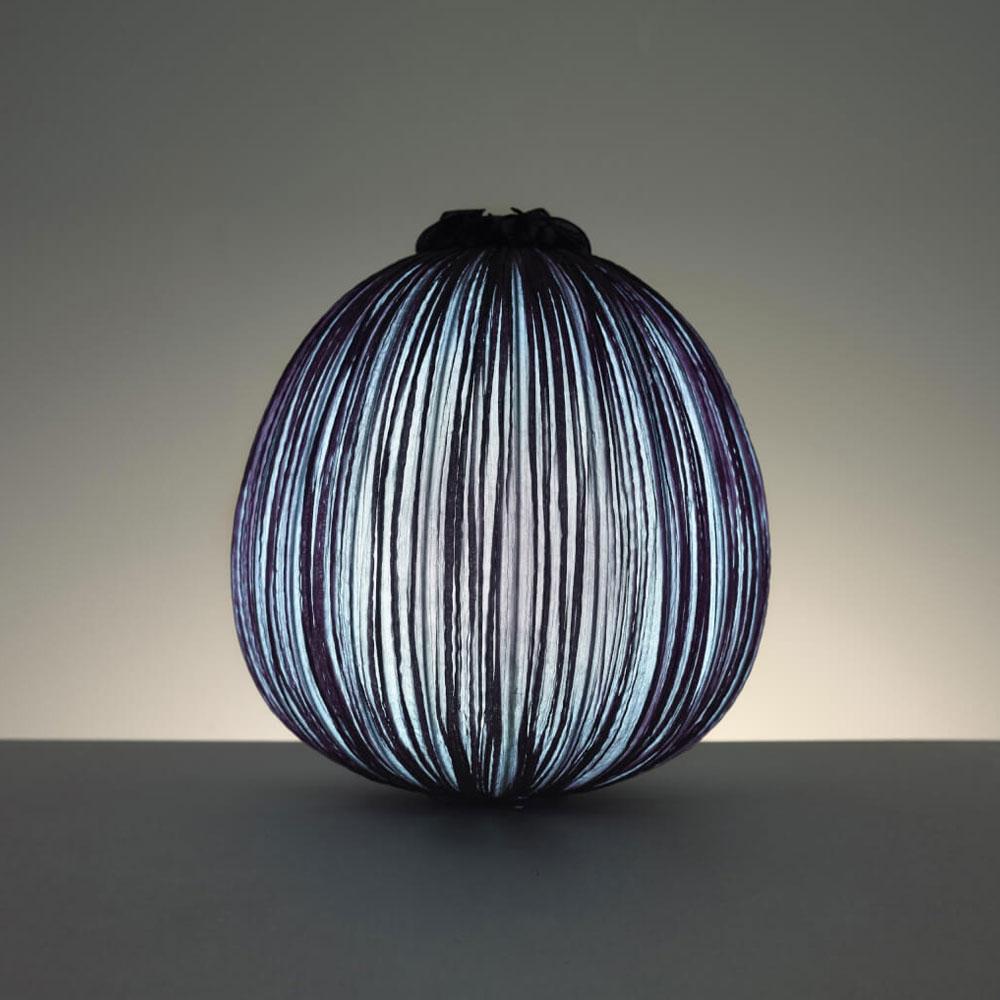 Dippa Table Lamp - Farbe coal - Leuchte angeschaltet