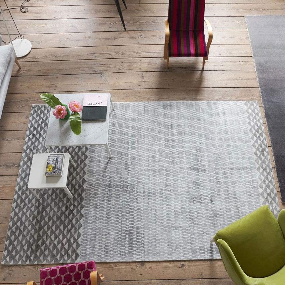 Teppich Katiya Platinum - im Wohnzimmer