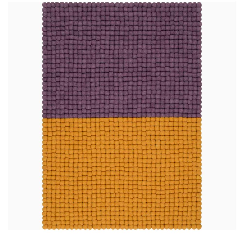 Myfelt Filzkugelteppich Contrast - violett/ ockergelb