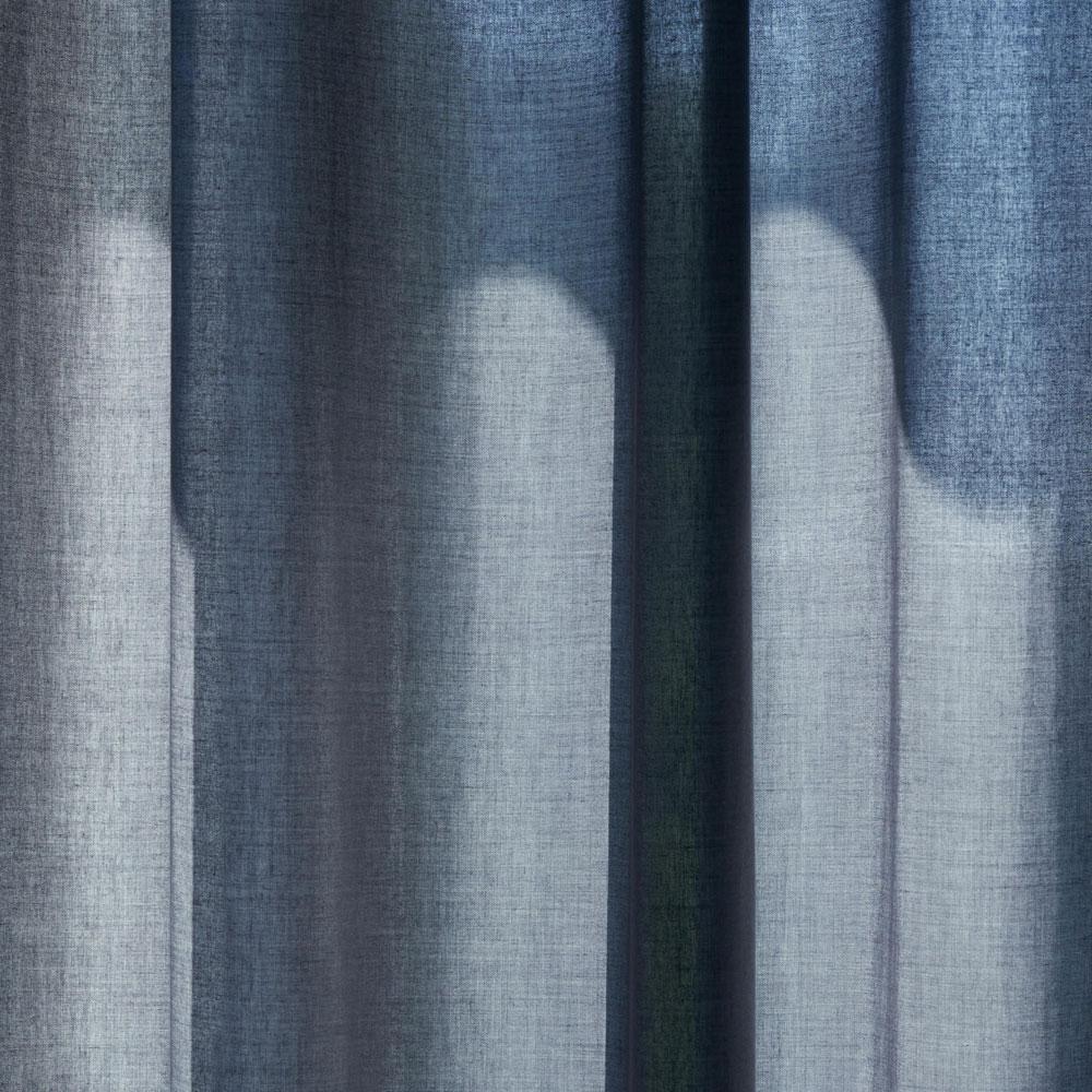 Kinnasand by Kvadrat - Vorhang Float - Raumansicht Farbe 0033