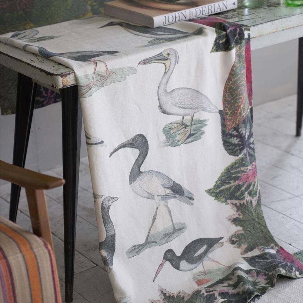 John Derian Leinen-Tagesdecke Birds of a Feather Parchment Throw