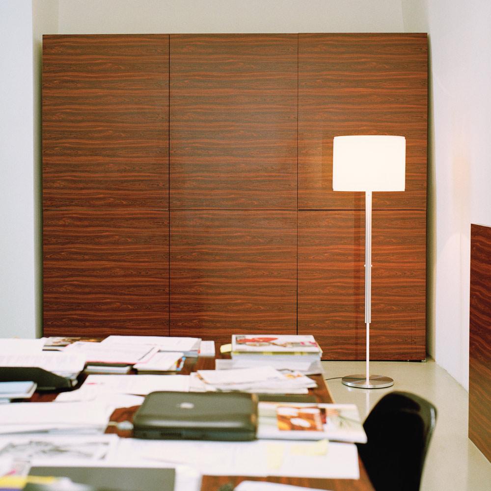 Jones Floor L - im Büro