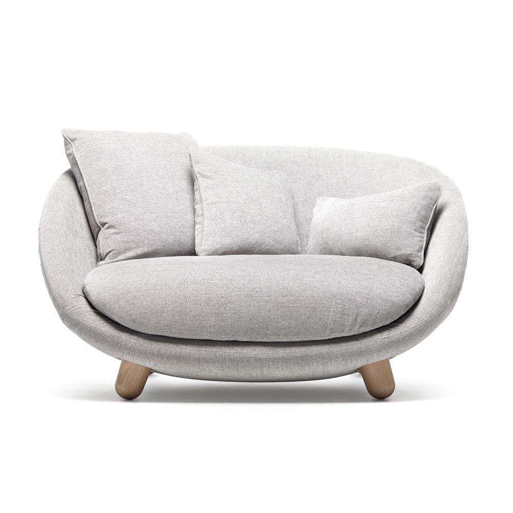 Love Sofa - Bezug Liscio - Farbe Nebbia - Füße: weiß gewaschen