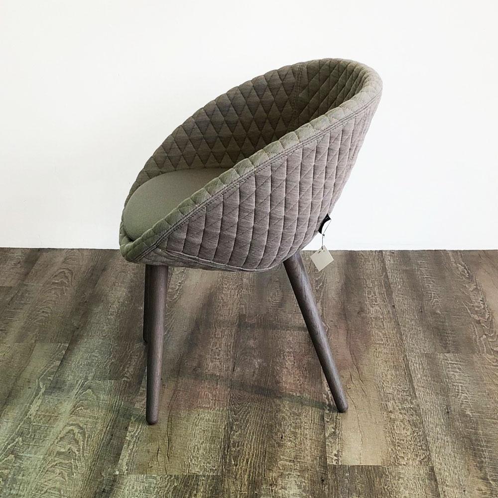 Moooi Love Dining Chair - Seitenansicht