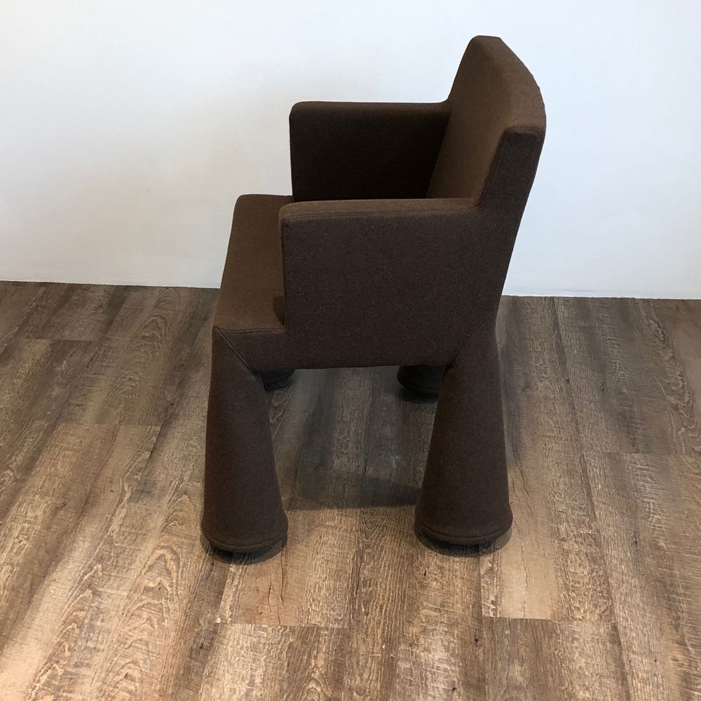 Moooi V.I.P. Chair - Divina Melange 280 - Seitenansicht