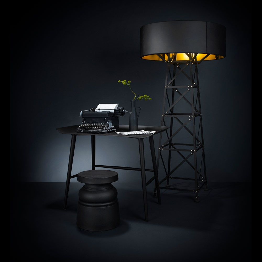 Container Stool New Antiques schwarz & Construction Lamp