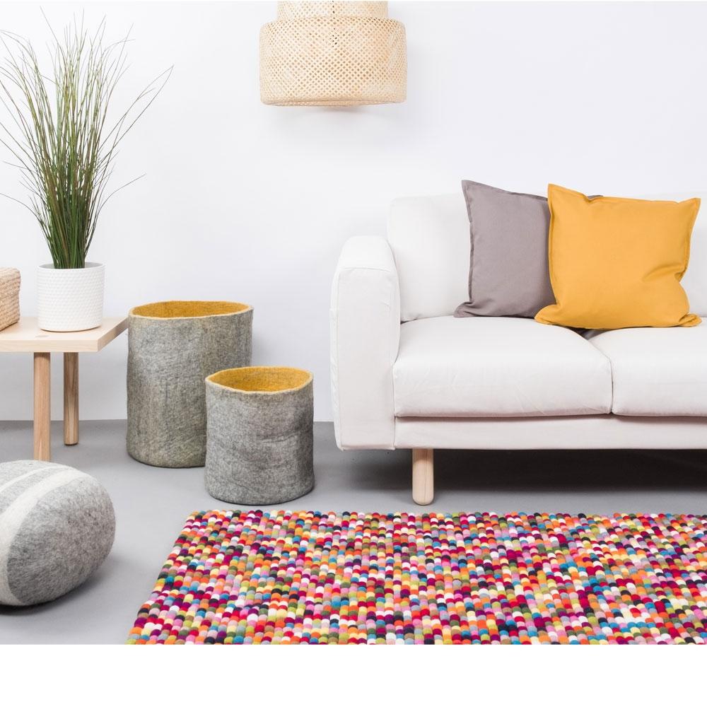 Filzkugelteppich Lotte - im Wohnzimmer
