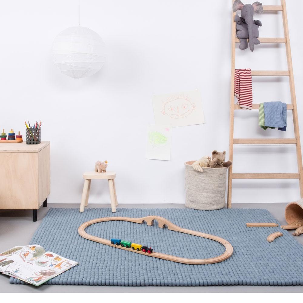 Filzkugelteppich Mia - im Kinderzimmer