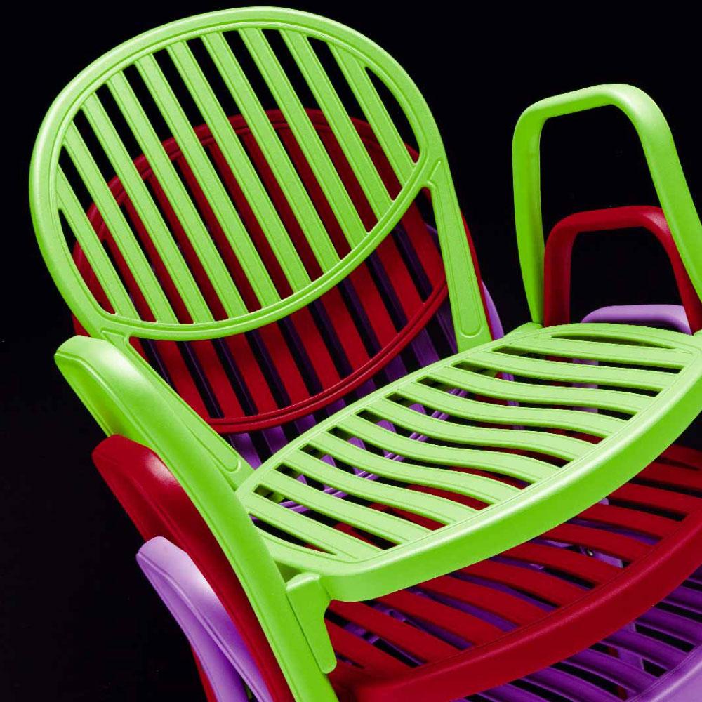 Die Olympia Stühle sind stapelbar.